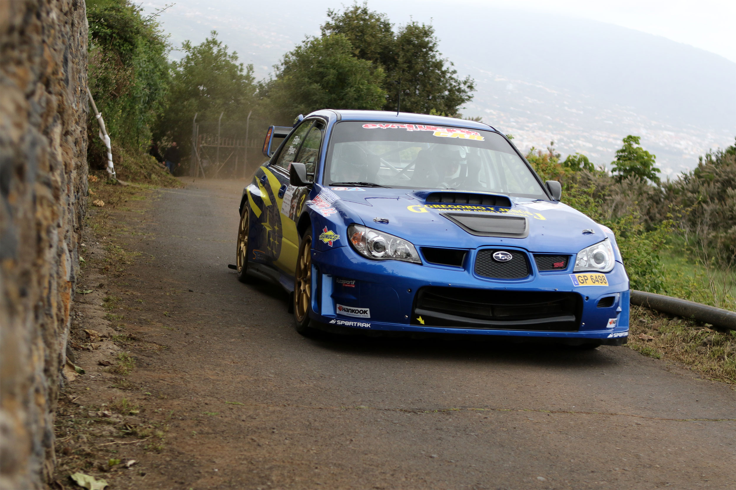 🏁 Una avería lleva al abandono a Félix Brito y Pedro Rodríguez, en la 35ª edición del Rallye Orvecame Norte