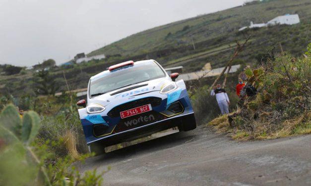 Cruz y Mujica 'bailan' sobre el agua para terminar trayendo a casa el título de Campeones de Canarias de Rallyes.