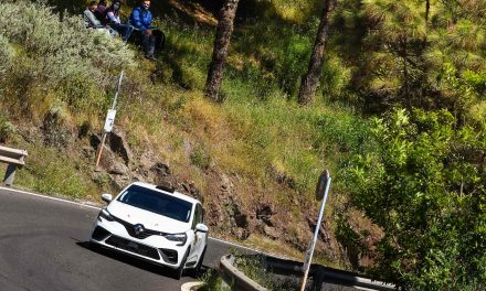 Positivos primeros kilómetros para el Renault Clio Rally5 de Las Torres Automoción