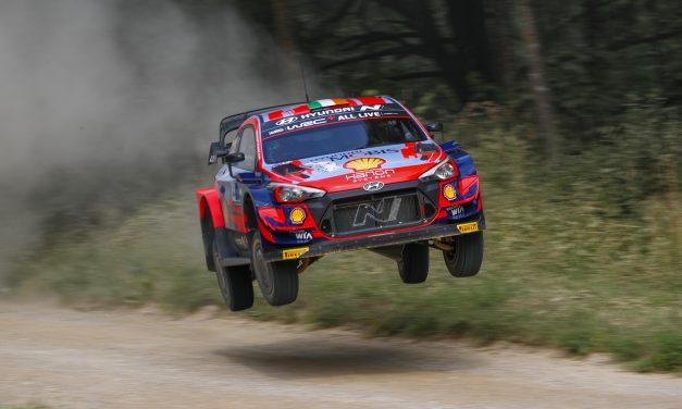 Hyundai Motorsport se mantiene en segunda y tercera posición en el Rally de Estonia, tras 132 km más de tramos el sábado.