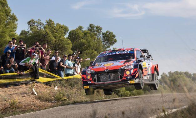 Tercer día… Hyundai Motorsport ha conseguido su tercera victoria del Campeonato del Mundo de Rallies FIA (WRC) 2021 con un magnífico doble podio en el Rally de España.